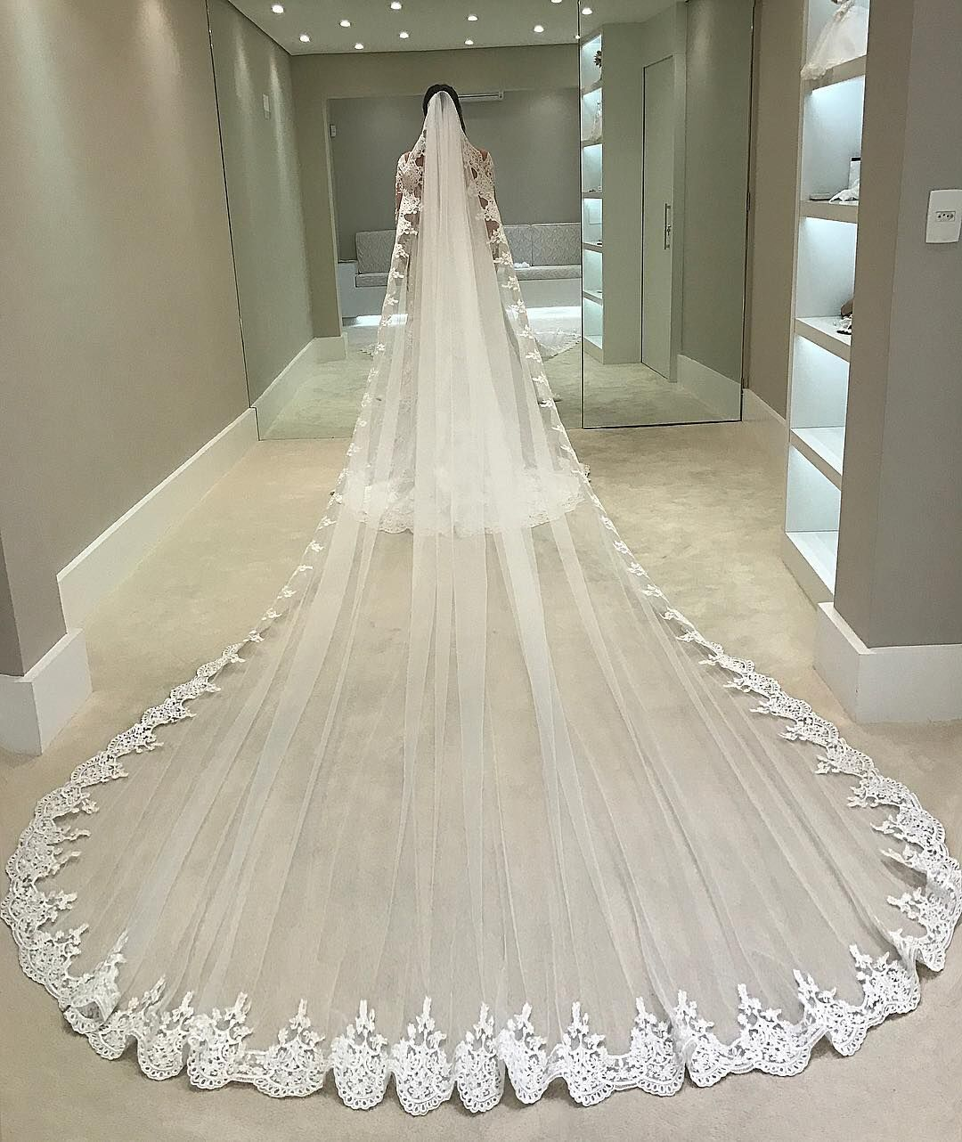 Lace Edge Appliques Bridal Veils,Luxury Bridal Veils,Cathedral Train One Layer Veils,Veils with Comb