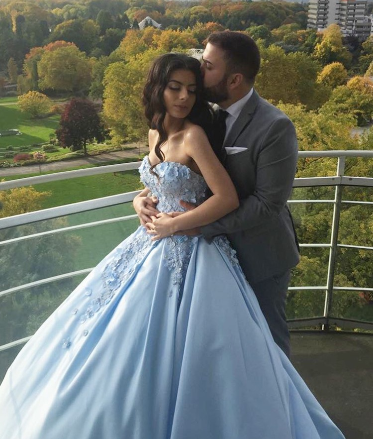 Embroidery Flower Lace Sweetheart Engagement Dresses Ball Gowns Prom Satin Light Sky Blue Bridal 2018 Formal