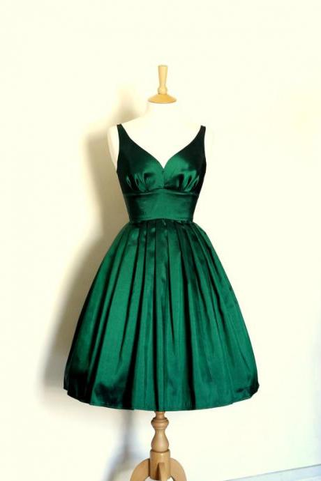 Emerald Green Short Bridesmaid Dresses 2018,Formal Prom Dresses Short,Pleated Silk Satin Homecoming Dresses 2018