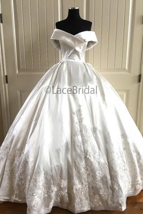 Real Made Ball Gown Wedding Dresses,Off the Shoulder Satin Bridal Dresses,Lace Appliqued Wedding Dresses 2019