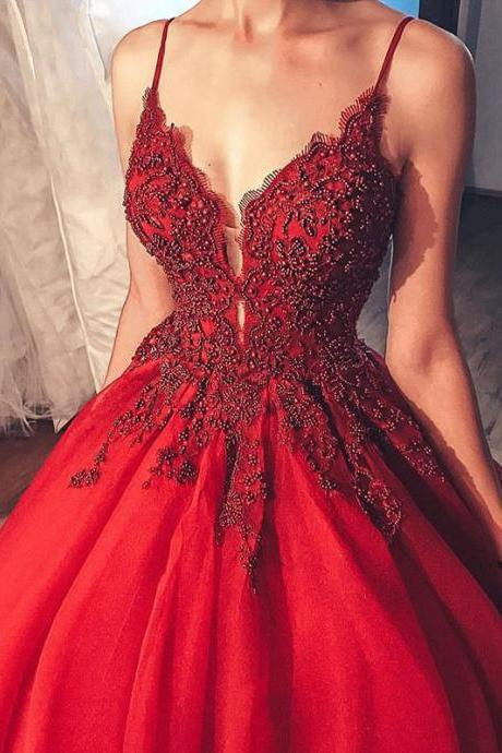 Spaghetti Straps Tulle Ball Gowns Prom Dresses,Gorgeous Beads Wine Gowns 2020,New Fashion Prom Dress with Train