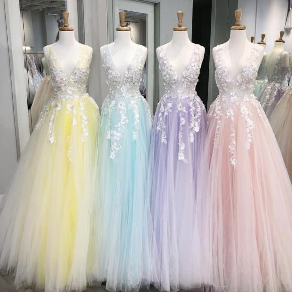 Lavender Lace Appliqued Long Prom Dresses 2019,Sexy V Neck Tulle Prom Dresses,Yellow Pleated Floor Length Party Dresses 2019